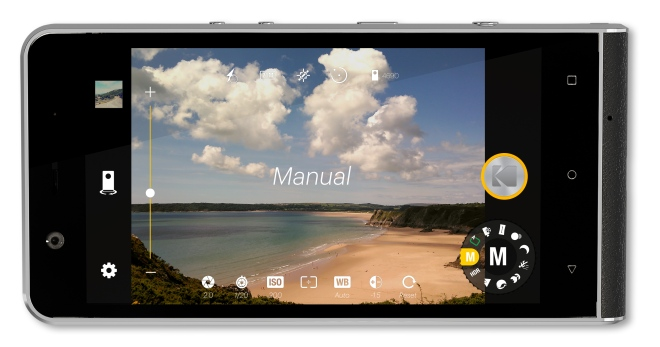 highres-ektra-camera-ui-mockup_manual_1476872392
